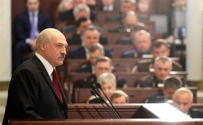 Батька белорусской власти: Лукашенко 25 лет руководит страной назло Путину - «Политика»