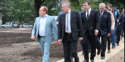 Беглов проверил ход работ по благоустройству Ивановского карьера