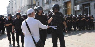 Иногородние провокаторы и терпеливая полиция: член Общественной палаты рассказал, что увидел на незаконной акции в Москве