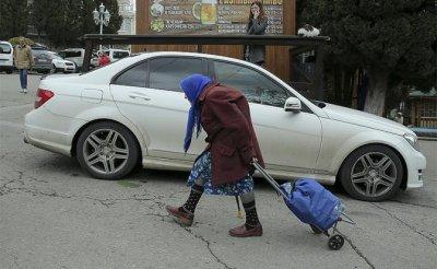 Москву превращают в город миллионеров, где нищим и «понаехавшим» нет места - «Экономика»