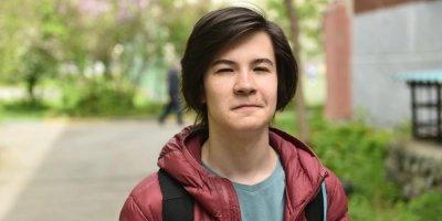 Уральский школьник получил грант от Google за изобретение переводчика для глухонемых