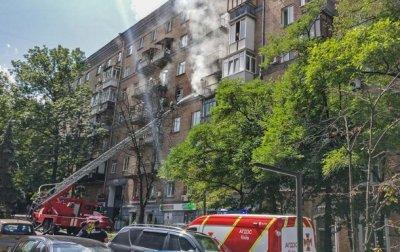 В центре Киева горит многоэтажка - «Украина»