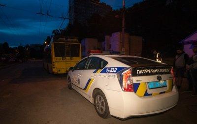 В Киеве у водителя ночного троллейбуса полиция забрала права - «Украина»