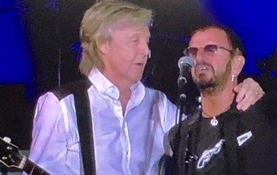 В Лос-Анджелесе выступили Пол Маккартни и Ринго Старр - (видео)