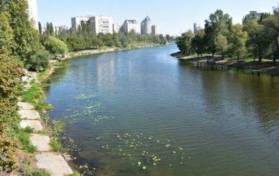 В Русановском канале Киева мужчина пытался утопить пенсионерку - «Украина»