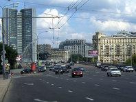 """<h1 class=""""article-title"""">На Кутузовском проспекте в Москве могут появиться долгожданные отбойники</h1> - «Автоновости»"""