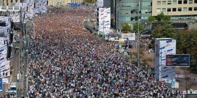Число участников митинг-концерта на Сахарова достигло 100 тысяч человек