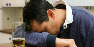 Минздрав предложил работодателям тестировать россиян на алкоголь