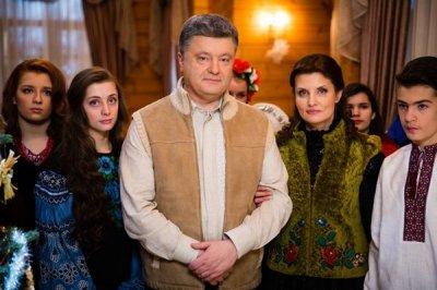 Порошенко вместе с семьей снова покинул Украину - «Новороссия»