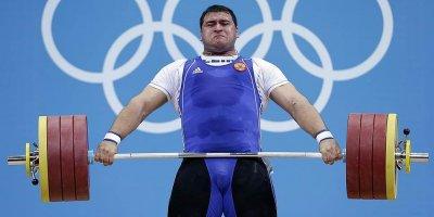 Пятерых российских тяжелоатлетов временно отстранили из-за допинга