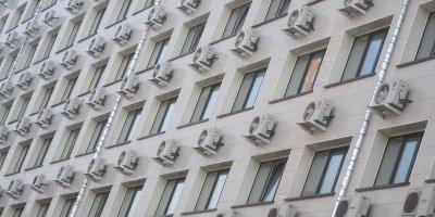 Россиянам запретят устанавливать кондиционеры на фасады памятников культуры