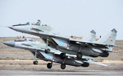 Американские ВВС задавят русские МиГи и «сушки» массой - «Военные действия»