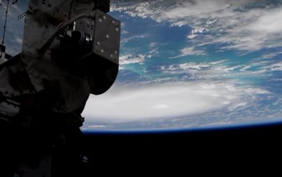 NASA показало устрашающий ураган Дориан из космоса - (видео)