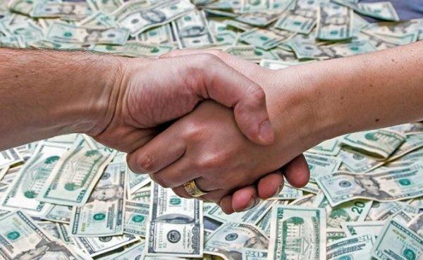 Американец за $ 750.000 официально продал свою жену любовнику - «Мир»