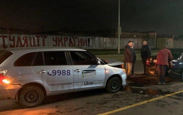 В Киеве водитель Uber устроил тройное ДТП, есть пострадавшие - «Украина»