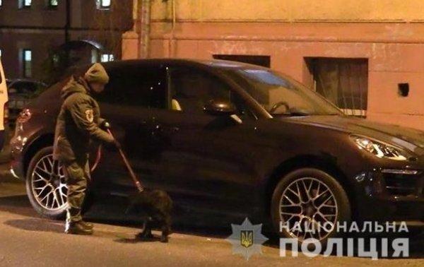 Злоумышленник пытался прикрепить к автомобилю GPS-трекер - «Украина»