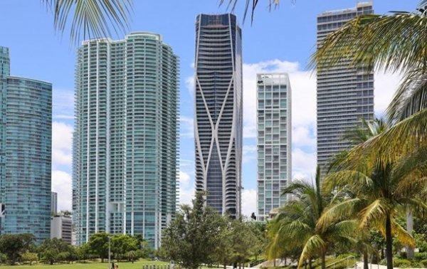 В США достроили небоскреб Захи Хадид - (видео)