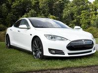 NEWSru.com | Власти США рассматривают петицию об отзыве 500 тыс. электрокаров Tesla из-за внезапных ускорений - «Автоновости»